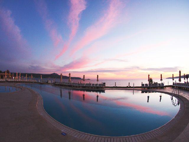 Kiani Beach Resort: Kalyves, Chania, Crete http://completetraveldirect.co.uk/