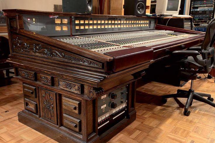1000 images about studio desks on pinterest furniture ideas my music and keyboard. Black Bedroom Furniture Sets. Home Design Ideas