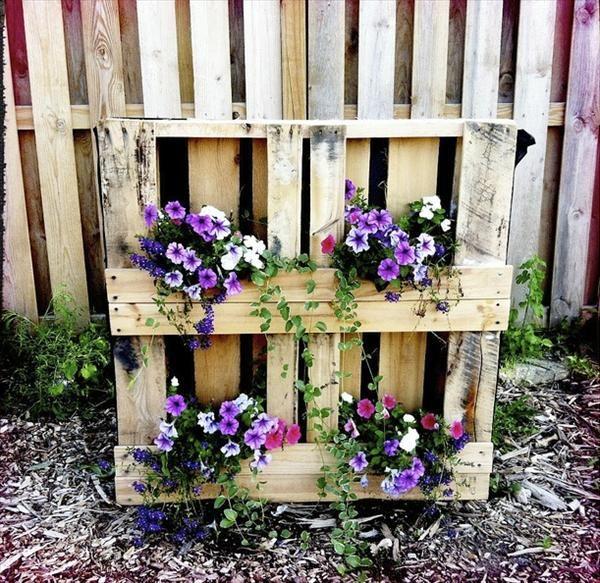 Une palette de fleurs pour d corer son jardin 20 id es pour vous inspirer fleurs palettes - 50 astuces pour decorer son jardin ...