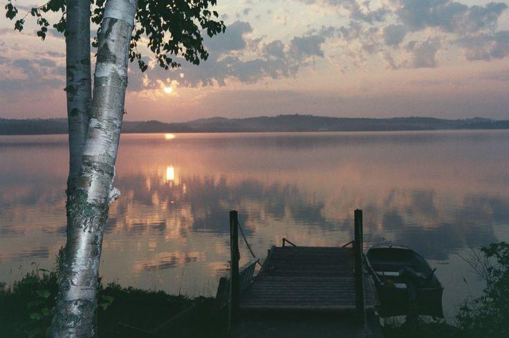 Dawn at Windy Lake, ON (Photo by: Barbara Webb)