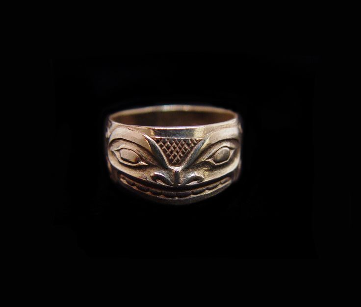 "Split Killerwhale, Clarence Mills. Sterling silver, 0.38"". Northwest Coast First Nations Jewelry."
