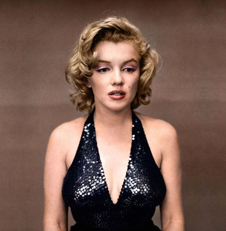 Marilyn Monroe, 1957 colourized-black-and-white-photography-history-16-1
