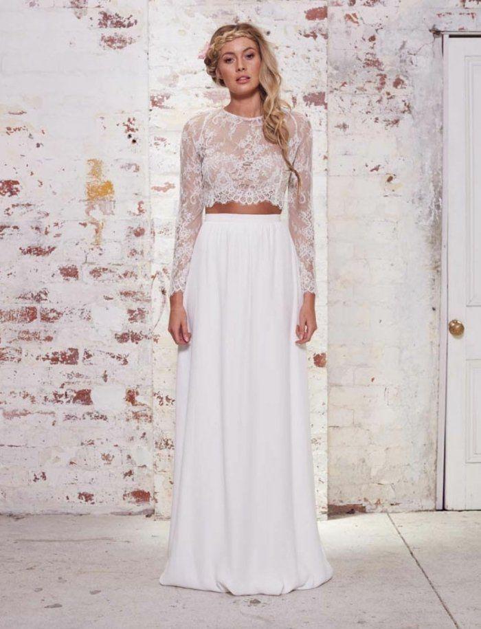 Braut Trend mit Nude-Look - Schlichter, weißer Rock und langärmliges Oberteil aus Spitze