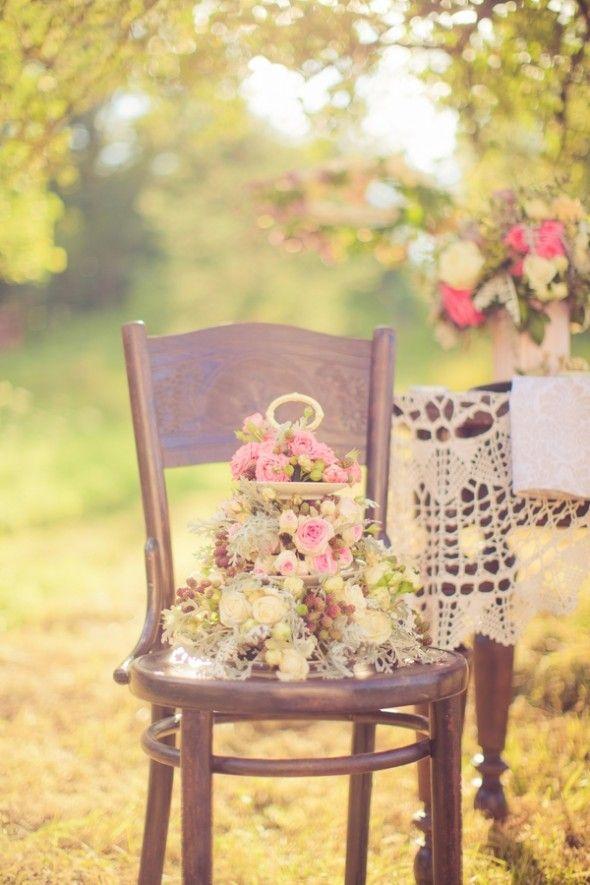 Outside Wedding Decor : Vintage