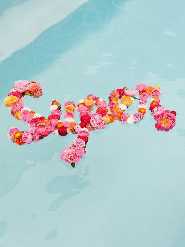 DIY Floating Flower Message. cc: @sewzinski #craft #polol_party #pool #diy #summer