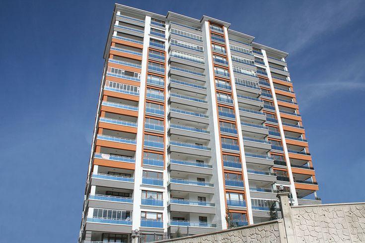 Hatüpen Pencere Sistemleri, Ankara Yenimahalle'de inşa edilen Durlu Life Konutları'nda 1 blok 45 dairede Pimapen Pvc kapı ve pencere üretim ve montajını tamamlamıştır.