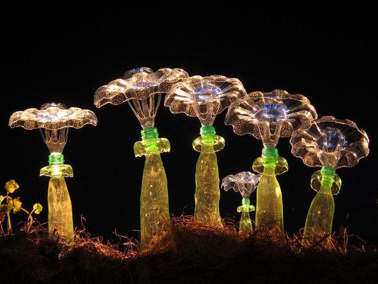 Les Bouteilles en Plastique recyclées en Sculptures végétales de Veronika Richterová  (3)