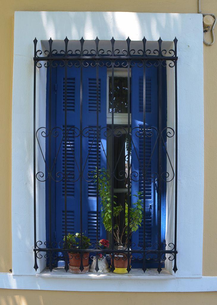 La emoción de caminar Atenas (Parte III) / Vero Palazzo - Home Deco Palazzo, Exterior, Mirror, Home Decor, Athens, Walking, Windows, Doors, Decoration Home