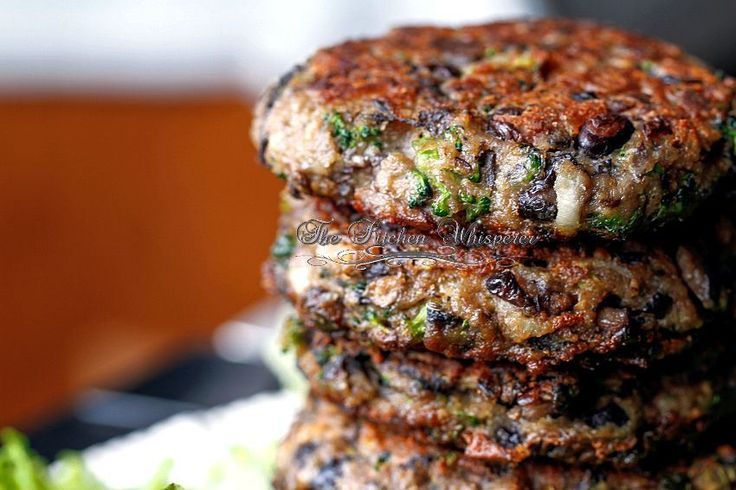 Chunky Portabella Veggie Burgers Can't wait to try these! This will be one of my projects for the party on June 14th! <3