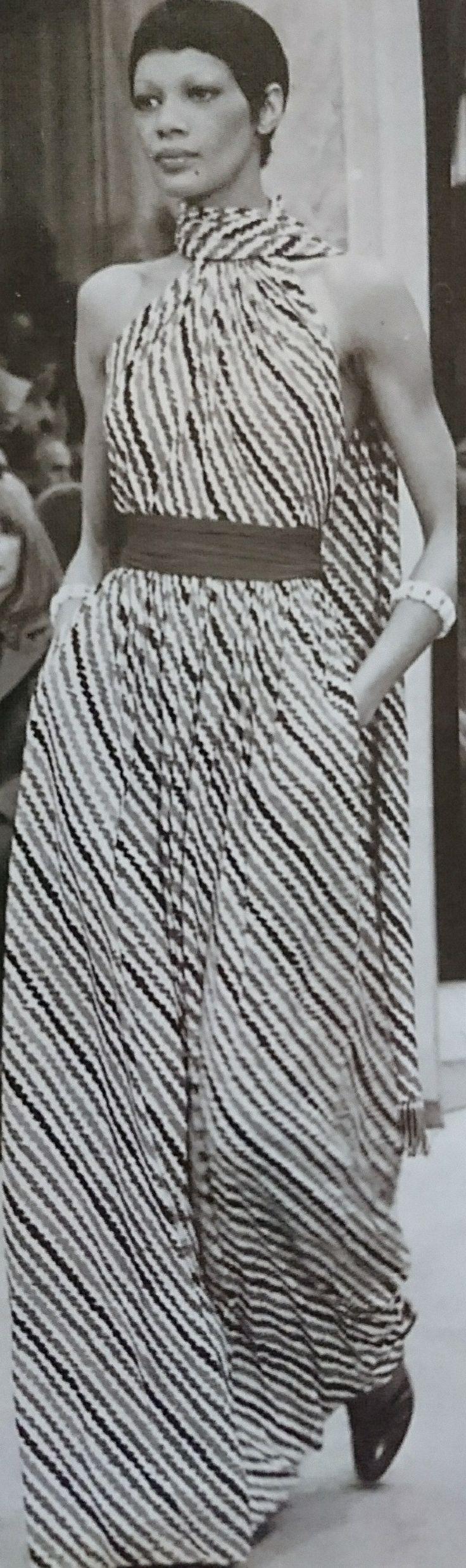 Janvier 1975. Haute couture été 1975. L Officiel 1000 modèles.