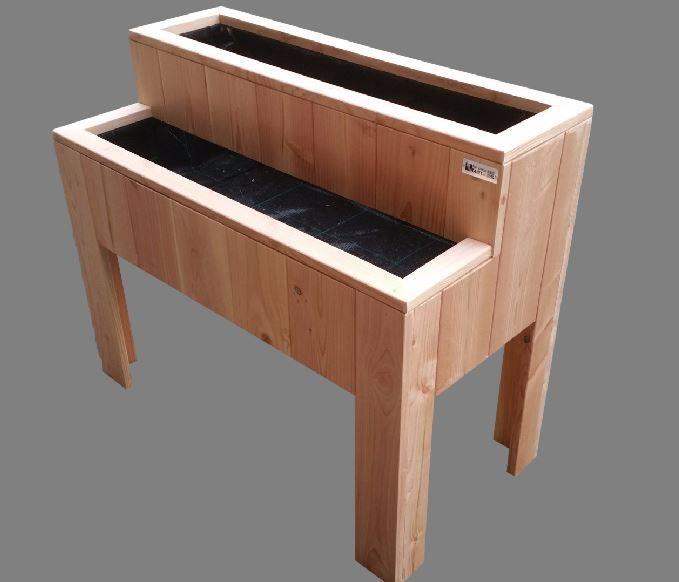 Kweektafel kruidentrap, deze kweektafel heeft 2 niveaus voor kruiden en diepgewortelde plantjes, en gemaakt van douglashout