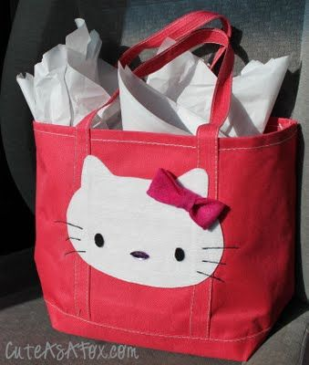 Hello Kitty Applique Gift Bag-blog gives templates, but I have Sizzix figure                                                                Hello Kitty Applique gift bag