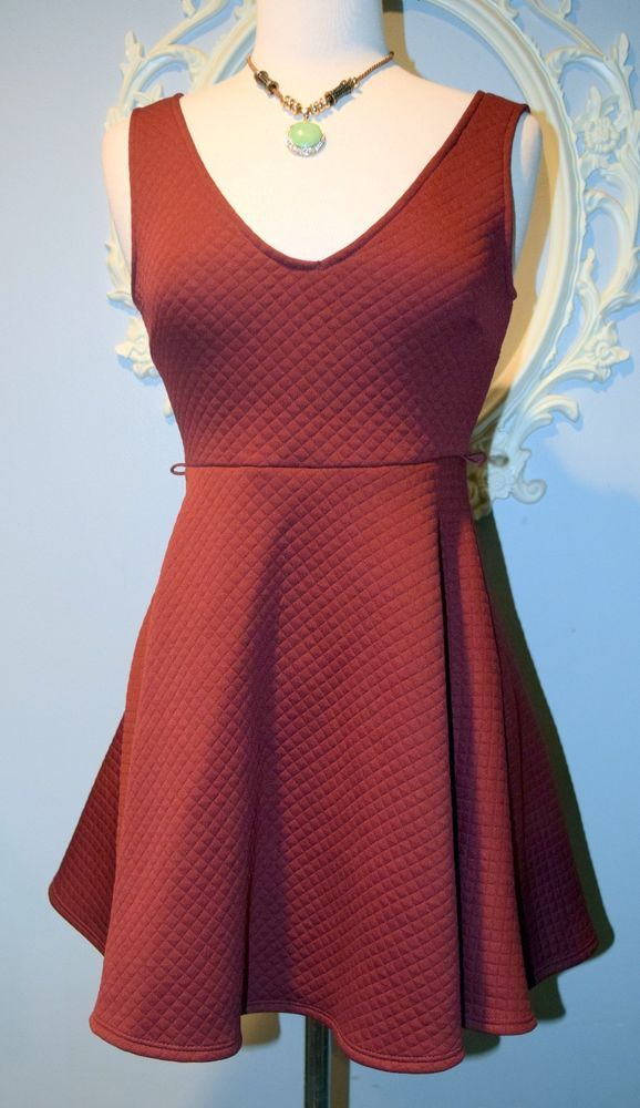 Burgundy Quilted Deep Plunge V Skater skirt DRESS Trac SMALL S NEW Fitted Flirty #Trac #Cocktail