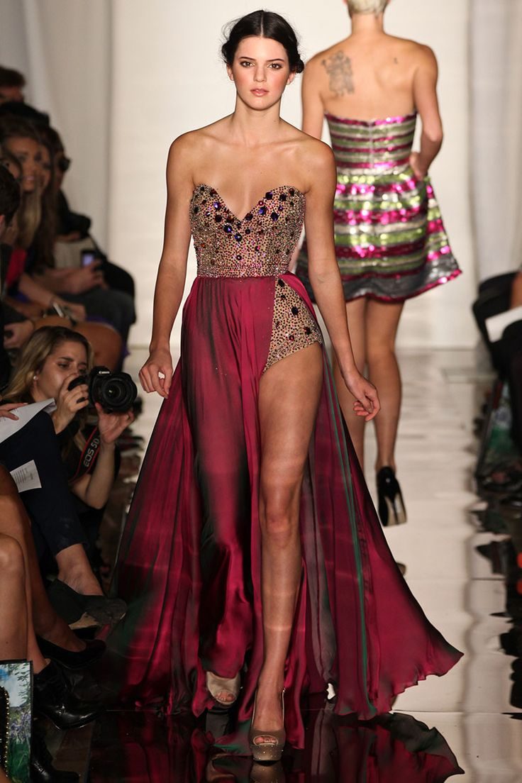 Beautiful Kendall Jenner Pics: Kendall Jenner's Complete Runway Evolution