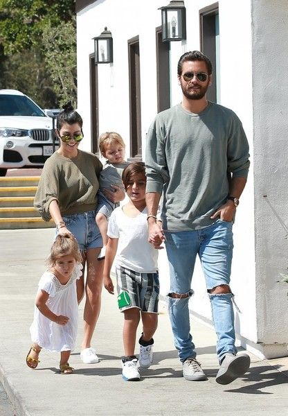 Penelope Disick Photos Photos - Kourtney Kardashian and Scott Disick were seen arriving with their kids at Mastros in Malibu, California on June 5, 2016. Kourtney has recently said she has been enjoying single life and doesn't have any anger towards Scott anymore. - Kourtney Kardashian and Scott Disick Spend the Day With Their Kids in Malibu