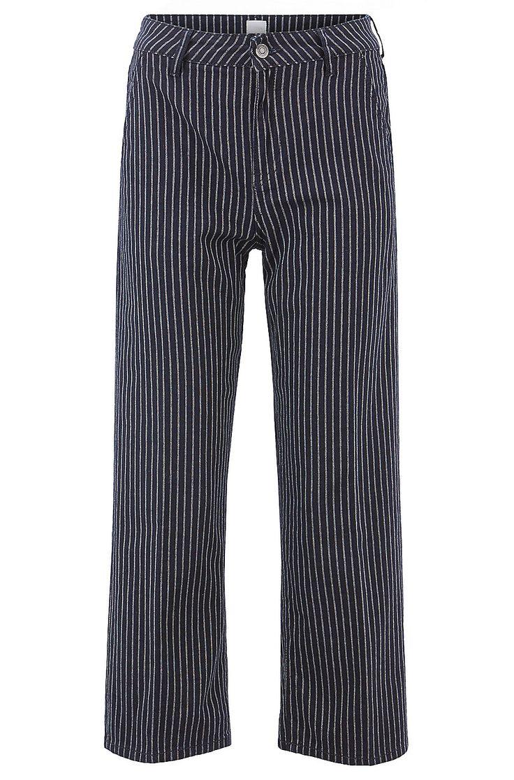 pin von santadiago auf fashion ll dunkelblaue jeans jeans hugo