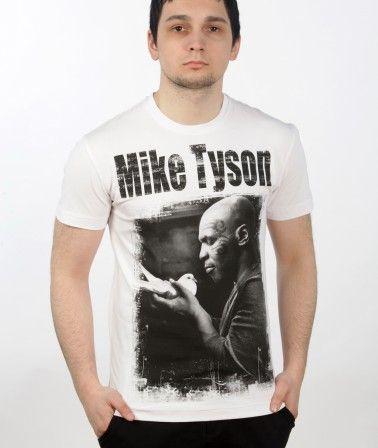 Футболка Майк Тайсон белая, Mike Tyson tshirt с изображением Майка Тайсона, держащего в руках голубя. Идеально сидит по фигуре. Рисунок принта выполнен черной и голубой краской, не сходит и не смывается при стирках. Строгий дизайн подходящий для большинства повседневных мест. Must have любого поклонника бокса и Майка Тайсона.  #бокс #майк #тайсон #боксер #boxing #MikeTyson #МайкТайсон #sport #boxer # #Казань  #жесть #нокаут #Самара #МСК #Красноярск  #россия #Петербург #spb #russia #татарстан