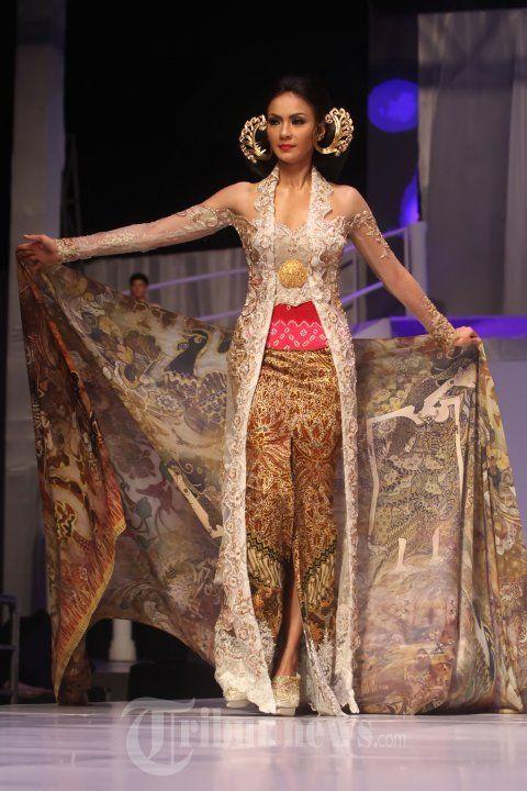 25 tahun kebaya Anne Avantie - Kebaya Batik Indonesia