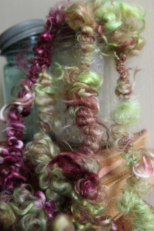 How to Spin Lockspun Art Yarn on a Spinning Wheel by Neauveau Fiber Art and Handspun Yarn Shop