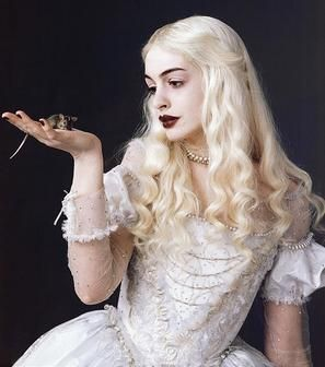 Anne Hatheway as White Queen (Through the Looking Glass).jpg