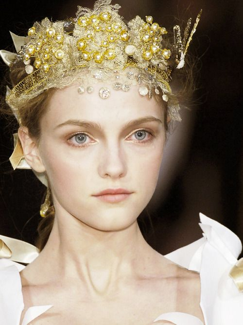 Vlada Roslyakova at Christian Lacroix Haute Couture Spring 2006 http://coolchicstyle.tumblr.com/post/28193858879/dixias-vlada-roslyakova-at-christian- the crowned fairy queen titania
