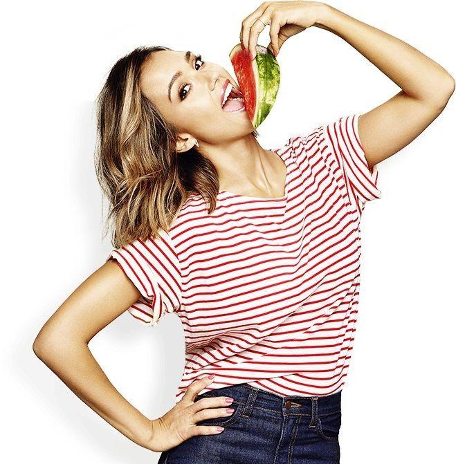 """На острове, на острове, на лучшем в мире острове... - Джессика Альба в рекламе программы здоровой пищи """"Фрукты и овощи"""""""