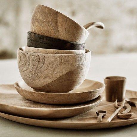 Ø18 cm Plate by MUUBS designed in Denmark , Teak Wood #MONOQI