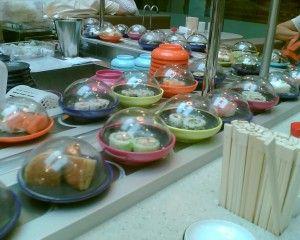 Lunch at Yo!Sushi... mmmmmmm!