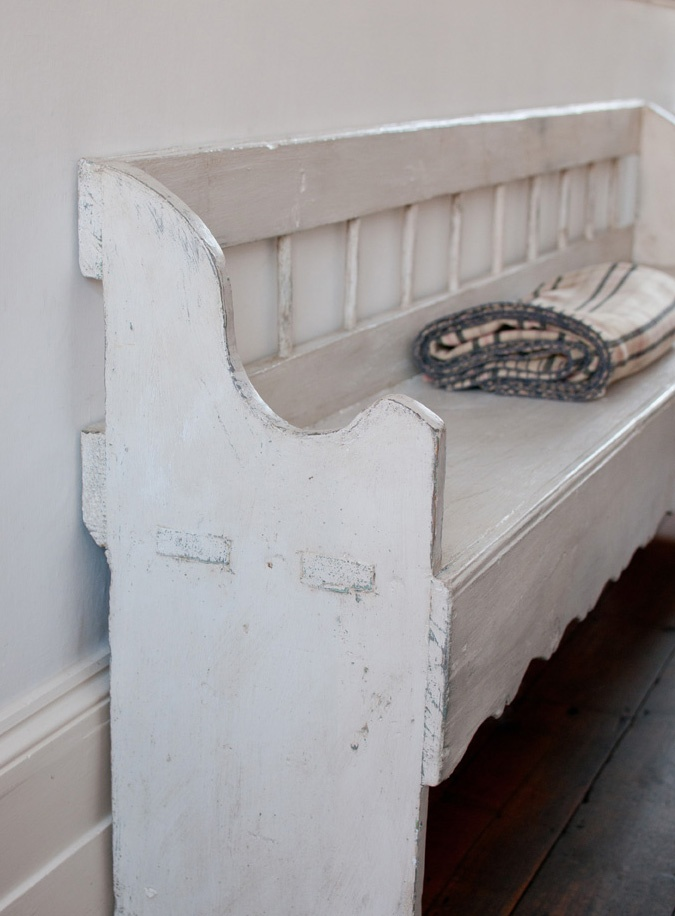 painted bench with distressed look & 8 best Out Door Benches images on Pinterest   Garden benches ...