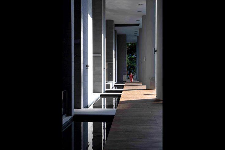 39 best cool resorts images on pinterest architecture bedrooms and cottage. Black Bedroom Furniture Sets. Home Design Ideas