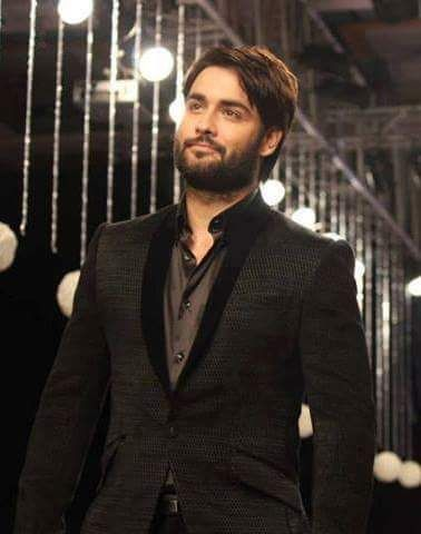 Do you know who are Vivian DSena's favorite actors