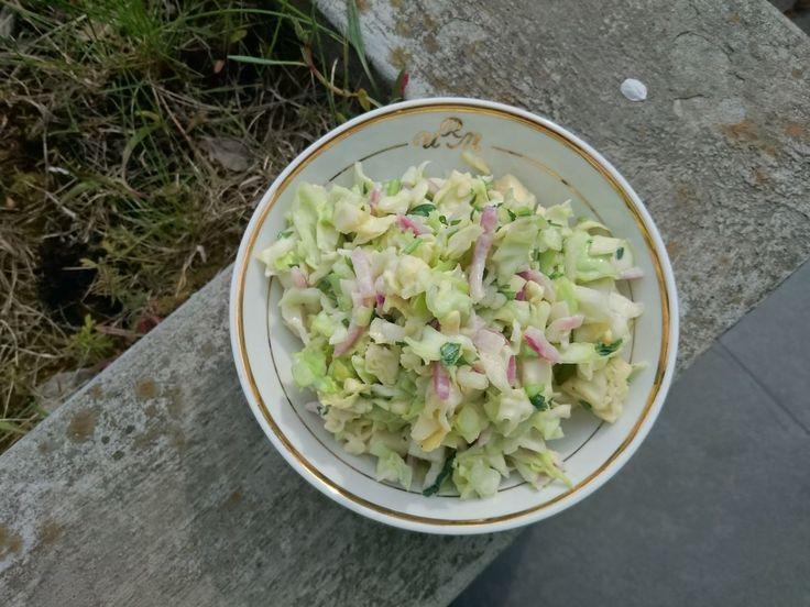 Domowy coleslaw bez majonezu - Jest Pięknie