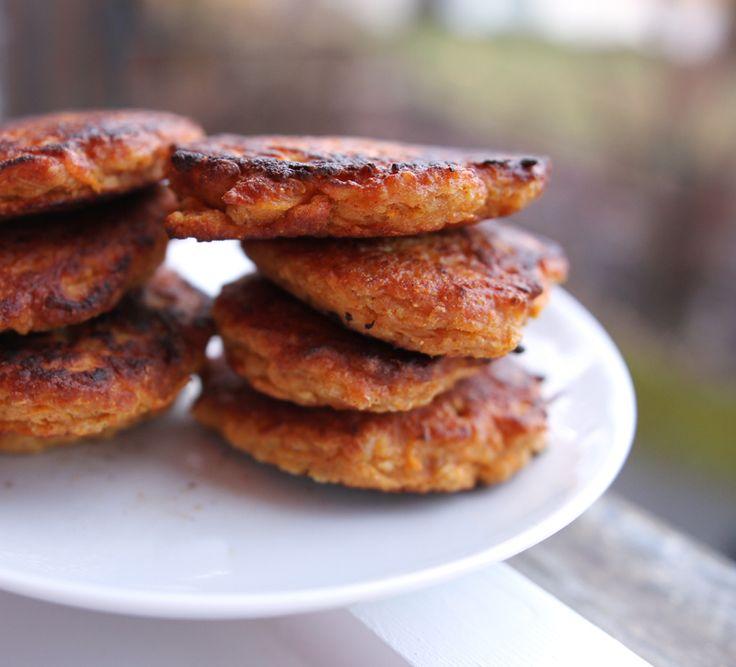Veganske Middagskaker // revet søtpotet med tandoori masala smak