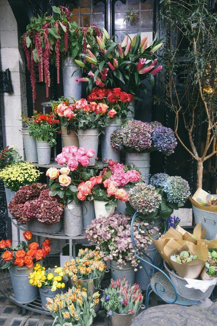 Liberty London Totes Amaze Amaze Liberty London Totes In 2020 Flower Shop Display Flower Arrangements Simple Flower Shop
