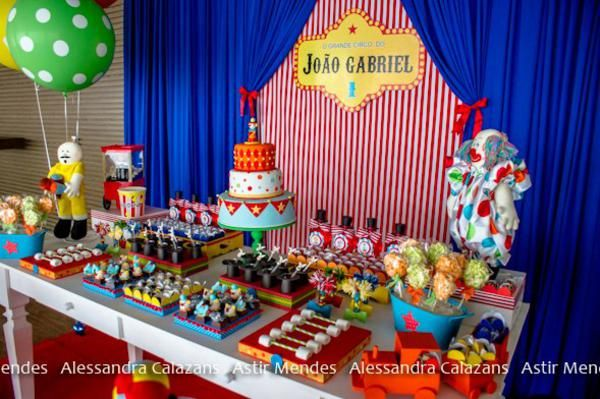 Circus themed 1st birthday party kara 39 s party ideas the place for all things party - Carnival theme party for adults ...