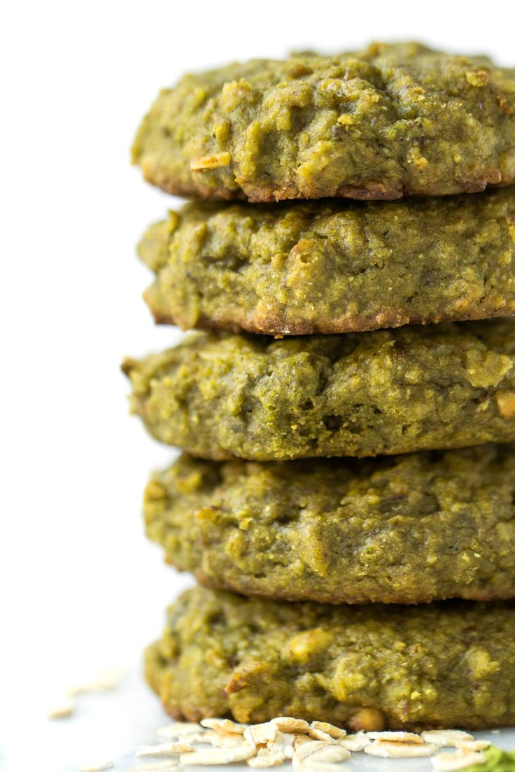 Matcha Quinoa Breakfast Cookies -- energizing, healthy and super easy to make! [naturally gluten-free + vegan]