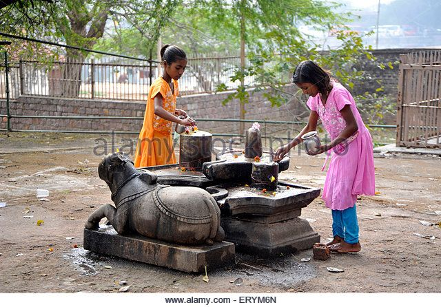 cross village hindu single women Ch 1- human prehistory to the early civilizations 25 born in a city slum or a small village refers to the cross section of the collective.