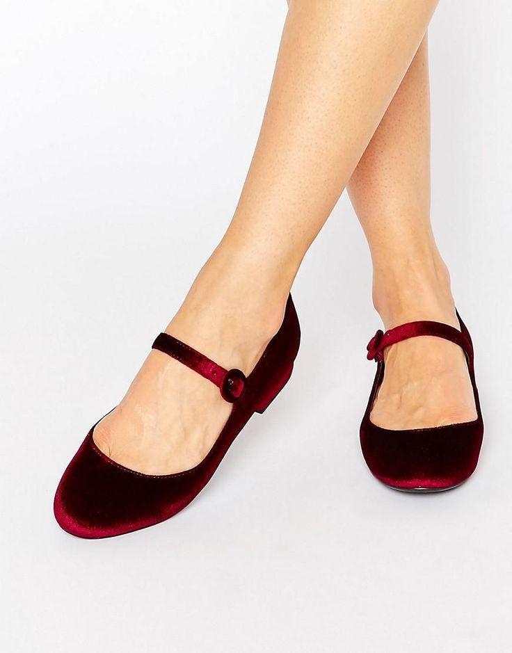 New Look | Merceditas de terciopelo de New Look en ASOS
