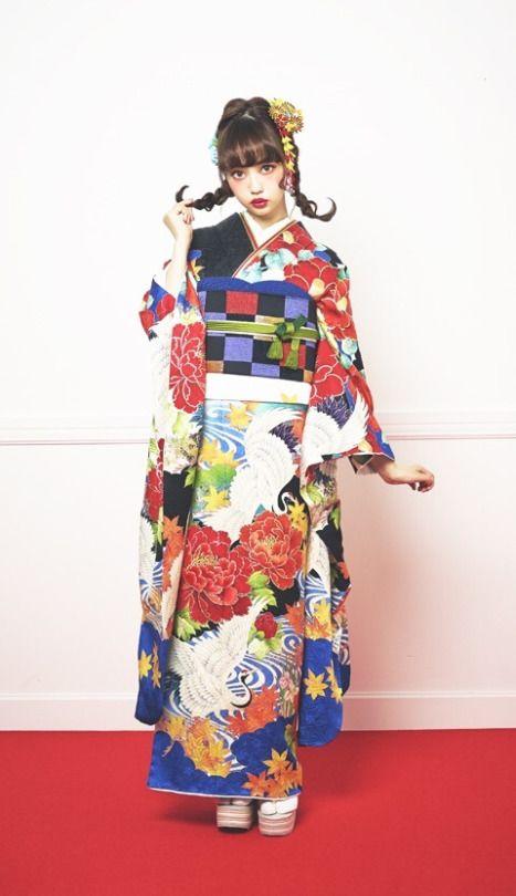 日本 Fashion!! ❤nawww her hair and make up!
