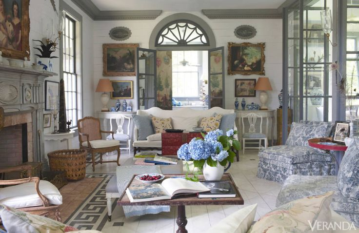 Best 25 french sofa ideas on pinterest vintage sofa for Fine country living