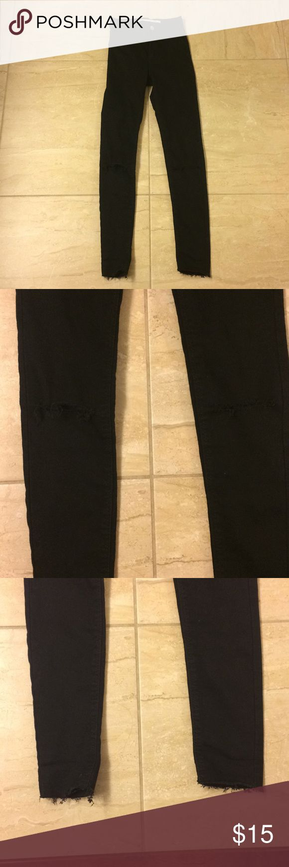 NEW Zara black high waisted jeans w/ ripped knees BRAND NEW Zara black jeans. High waisted skinny fit with zipper and button. The knees are ripped / frayed for the ripped knee effect. The ankle bottoms are frayed too. Size 2 Zara Jeans Skinny