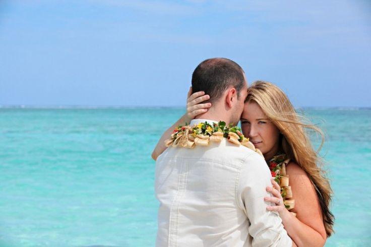 Brynn & Chris: Royal Davui Island   Zoomfiji - Fiji Wedding Photographers