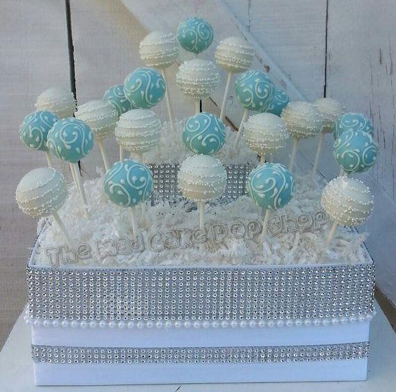 Turquesa/Robin huevo azul y blanco Swirl Cake por TheMaDCakePopShop