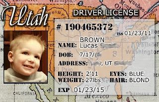 """Credit card and drivers license templates to create """"real"""" cards for kids to play with in their own wallet!"""