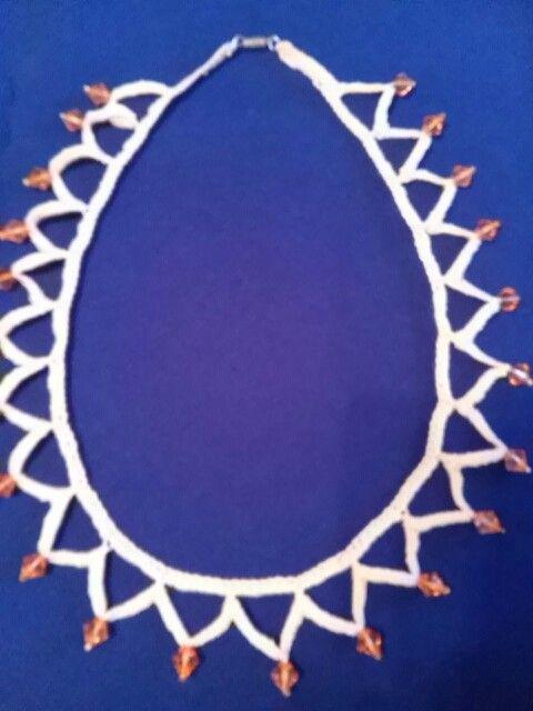 Dekoratív, különleges nyaklánc rendkívül olcsón, kérésre fülbevalóval eladó!