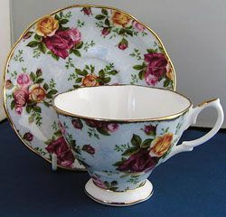 17 Best Images About Old Country Roses By Royal Albert On Pinterest Jars The Old And Trays