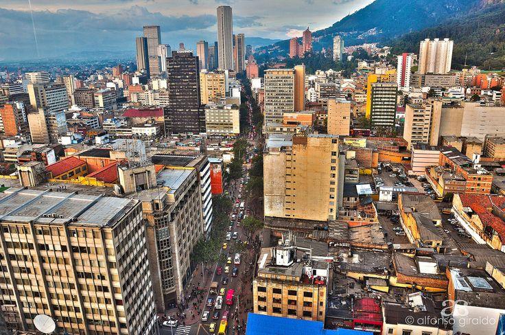 Bogotá desde el piso 23 del Edificio de Avianca. Foto de Alfonso Giraldo en Flickr.