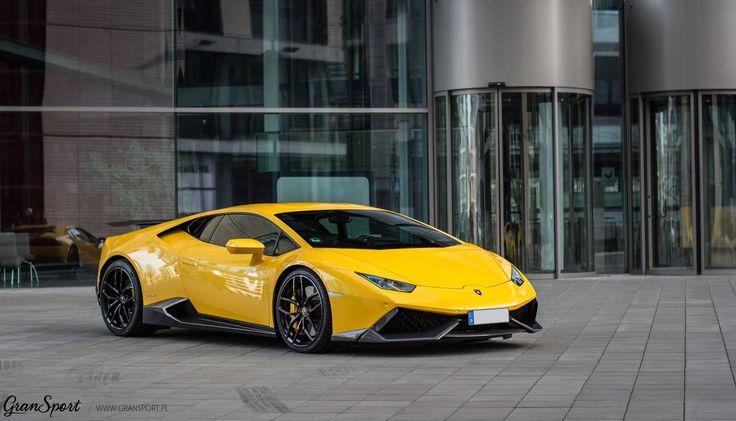 Lamborghini Huracan z zestawem modyfikacji Novitec Torado.  Co myślicie o połączeniu klasycznego dla Lamborghini żółtego koloru z czarnymi felgami oraz dodatkami z carbonu?   Oficjalny Dealer NOVITEC GROUP w Polsce GranSport - Luxury Tuning & Concierge http://gransport.pl/index.php/novitec.html