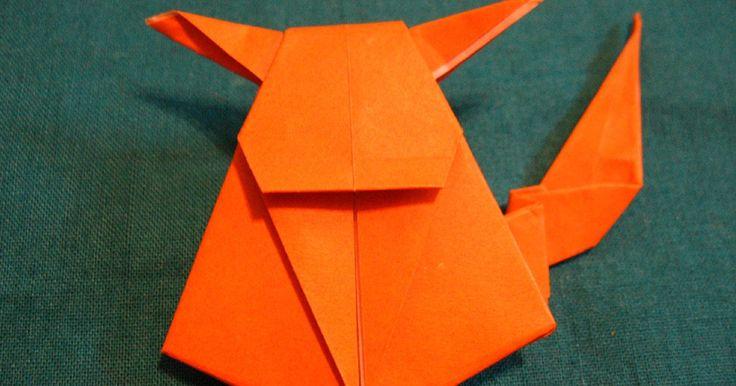 Como fazer um pokémon de origami. O origami existe há séculos. É originário do Japão, do início do século 2 e permanece uma bela forma de arte até os dias de hoje. O popular desenho Pokémon também é originário desse país. Satoshi Tajiri criou o desenho no começo dos anos de 1990. O anime começou como uma ideia de sua infância e se transformou em um fenômeno mundial. Pikachu é, ...