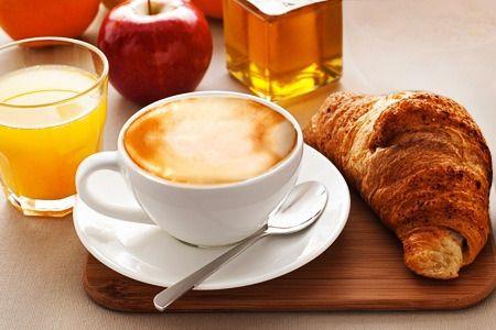 La #mattina parti con una buona #colazione, ideale per iniziare la #giornata con una marcia in più. Al sorgere del sole fai colazione a #Seregno quando la città si sveglia e la #Caffetteria Milk & Coffee diventa il luogo dove la magia prende vita.
